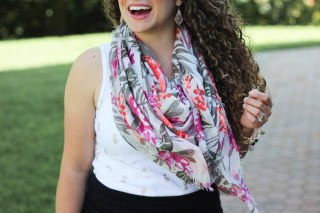 How to style a summer scarf with the most precious palm print scarf!