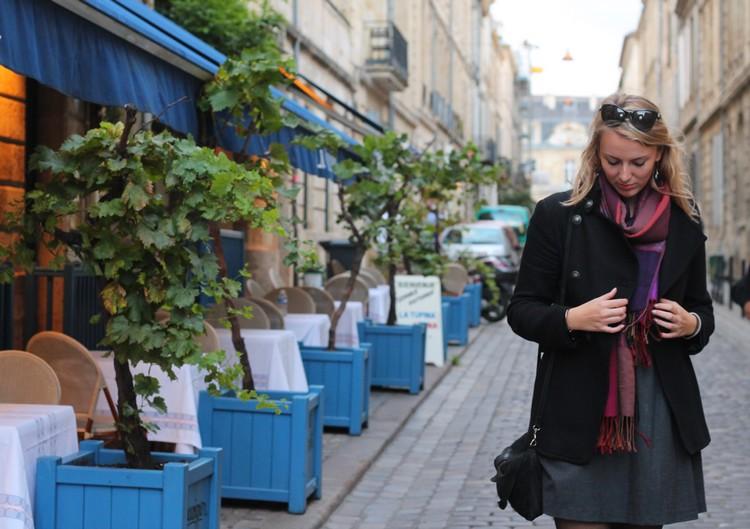 robe mademoiselle R, veste mango, echarpe, sac à main, bordeaux, chaussures bocage 13