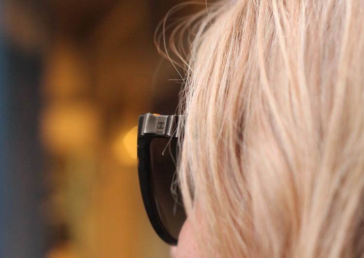 robe mademoiselle R, veste mango, echarpe, sac à main, bordeaux, chaussures bocage boucle do'reille hetm lunettes chanel