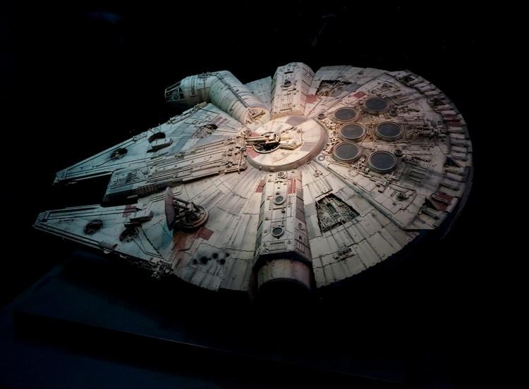 star wars exposition identities vaisseau faucon millénium