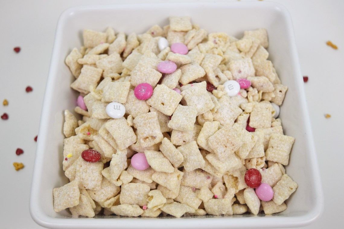 Cupid Snack Mix