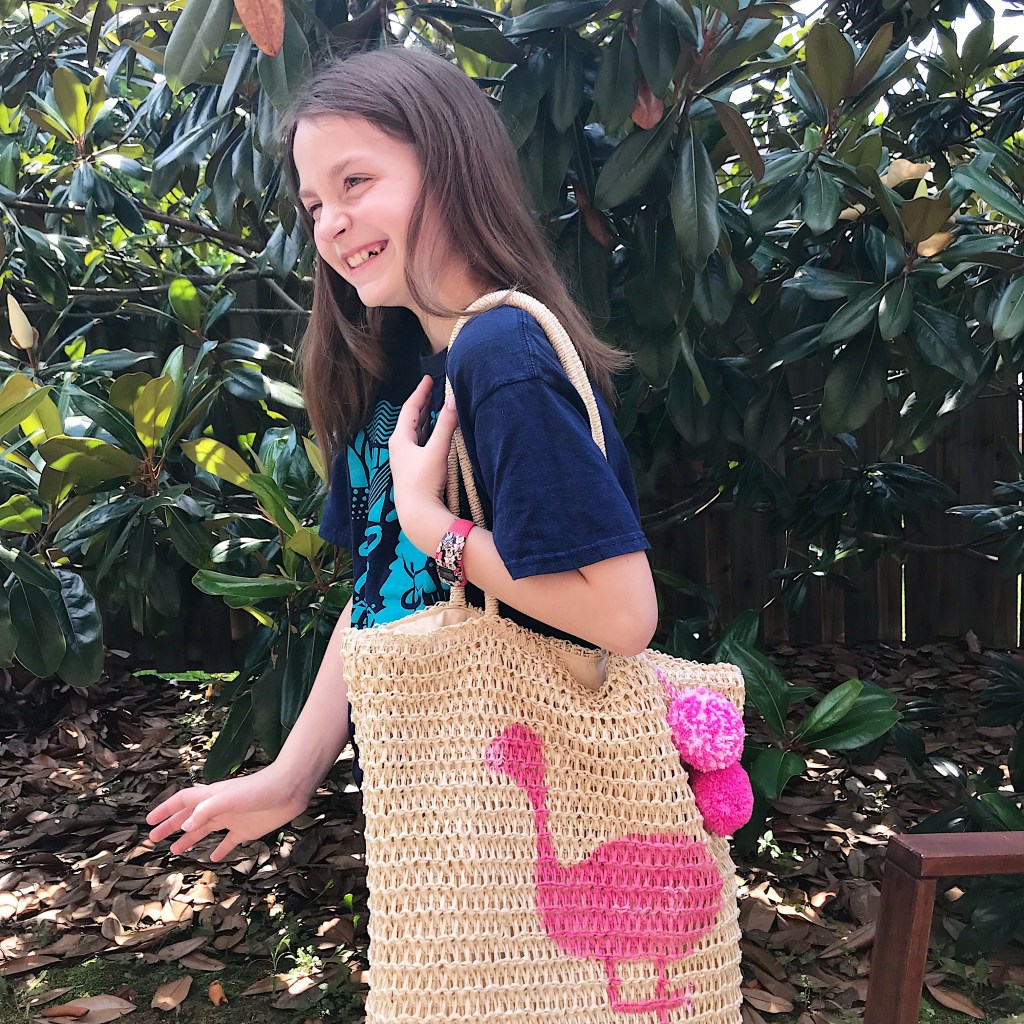 DIY Painted Straw Tote Bag - darlingsouth.com