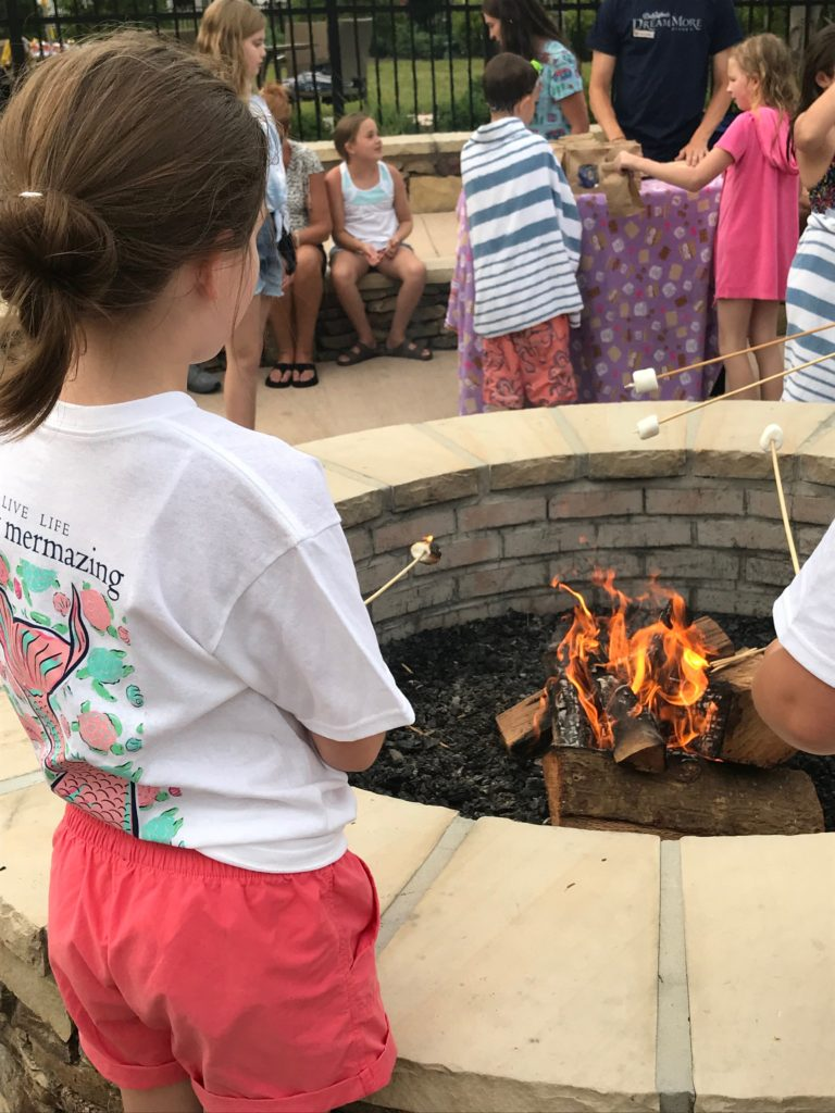 Roasting s'mores fireside at Dollywood's Dreammore Resort - Pigeon Forge, TN / Summer recap on Darling South