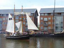 Pirate ship battle between Vilma and Keewaydin