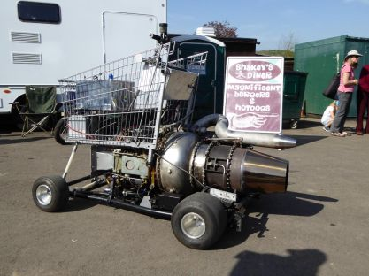 You know what that shopping trolley needs...?