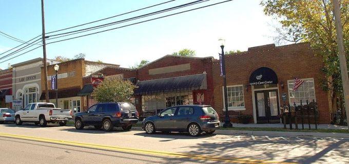 Main Street in Springville, Alabama
