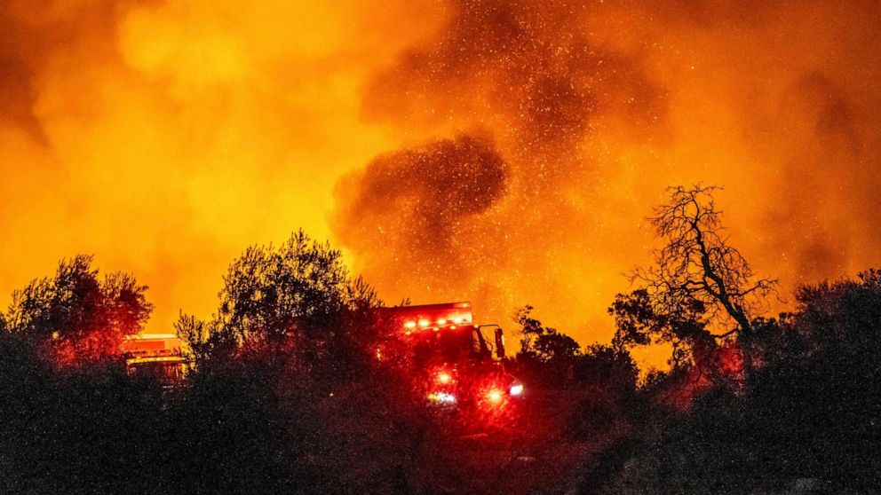 Cave Fire erupts in Santa Barbara County, scorching 4,100 acres