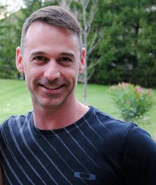 Darren Stehle headshot