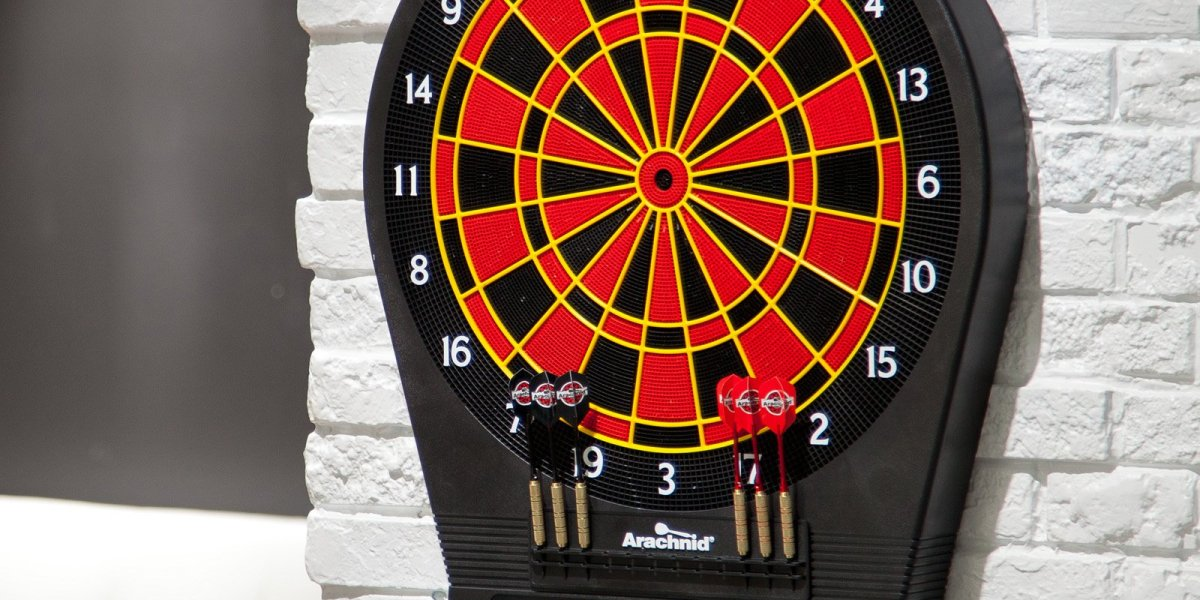 Arachnid Cricket Pro 650 Electronic Dartboard Review