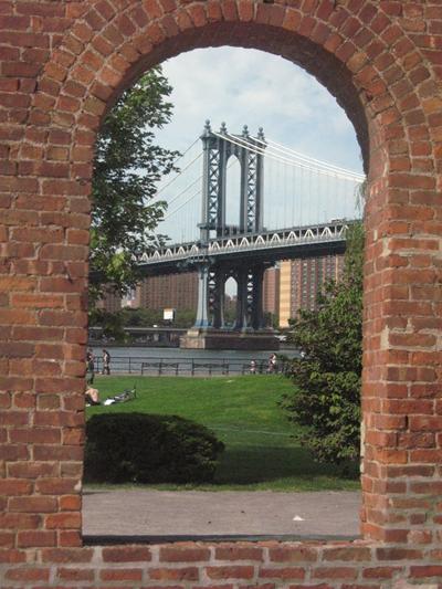 View of Manhattan Bridge.