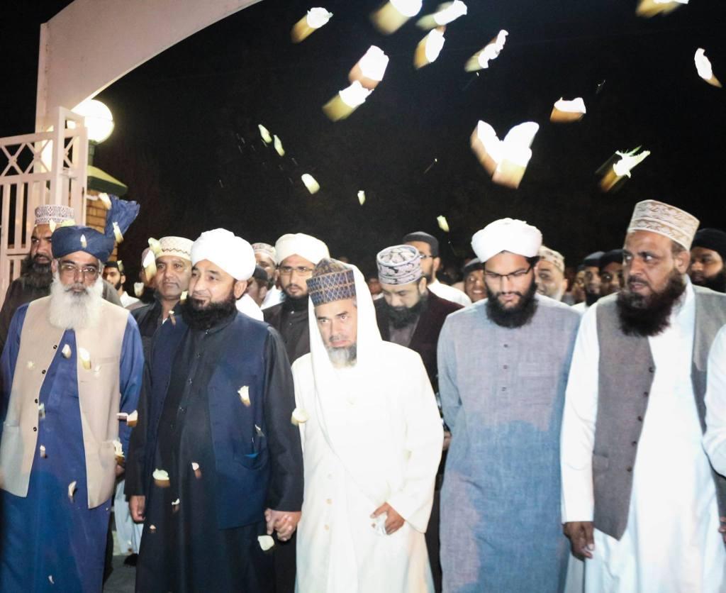 Allama Saqib Raza Mustafai in Darul Uloom Pretoria