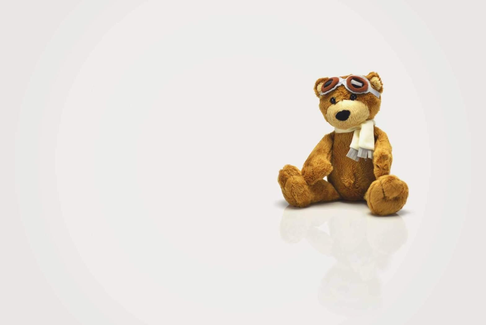 voyager avec bébé, voyage, bébé, enfant, ours, peluche, avion, aviateur
