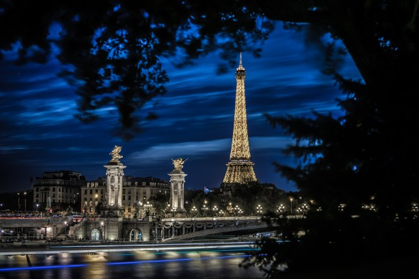 Best places to take pictures in Paris - Evening in Paris by Darwin. Taken with a Canon 6D and Canon EF70-200mm f/2.8L IS USM lens