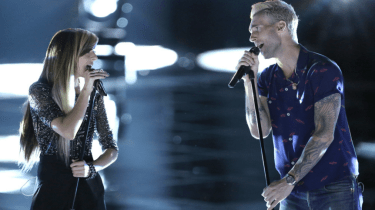 """""""The Voice"""" star Adam Levine has offered to pay the funeral expenses for slain singer Christina Grimmie."""
