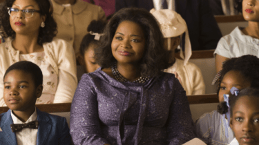 """Actress Octavia Spencer buys out entire theater so low income families can come see her hit movie, """"Hidden Figures."""""""