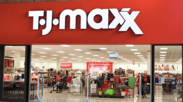 TJ Maxx and Marshalls are continuing to pay their employees in Puerto Rico even though their stores on the island have been closed since Hurricane Maria hit in September.