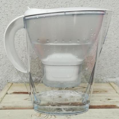 BRITA Tischwasserfilter Marella mit Wasser