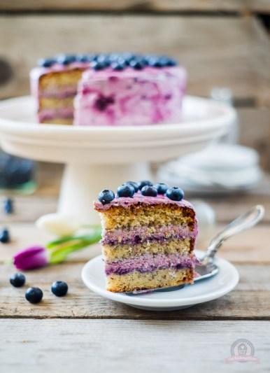 Nuss-Heidelbeer-Torte