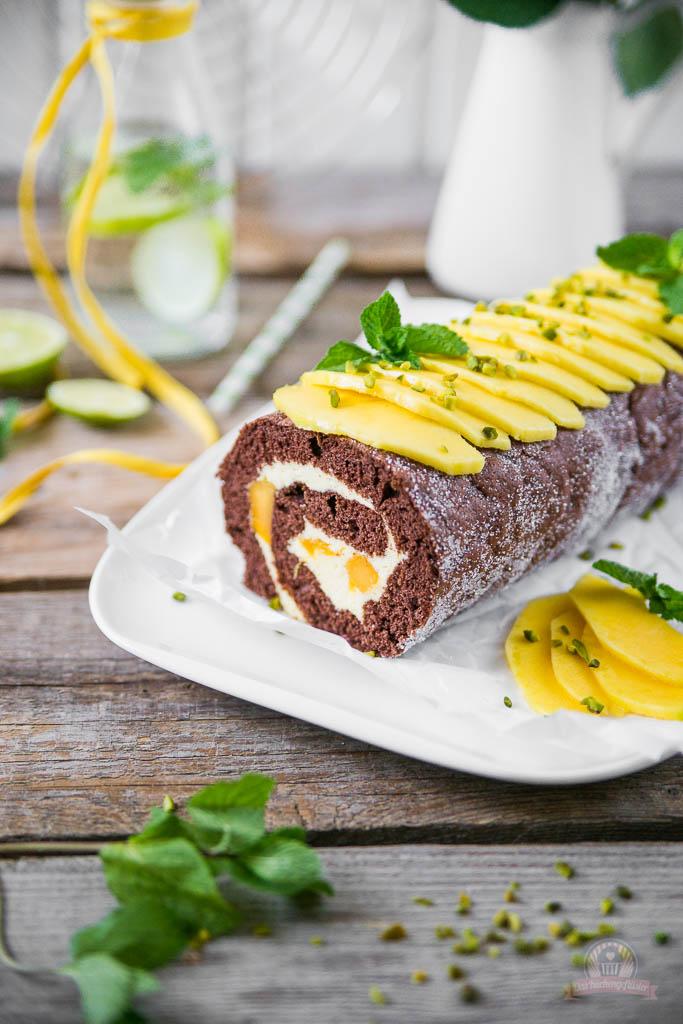 Mango-Mousse Schokorolle