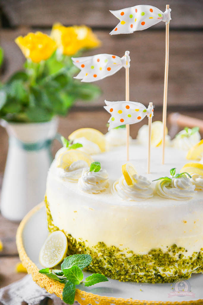 Lemon Curd Wickeltorte 12