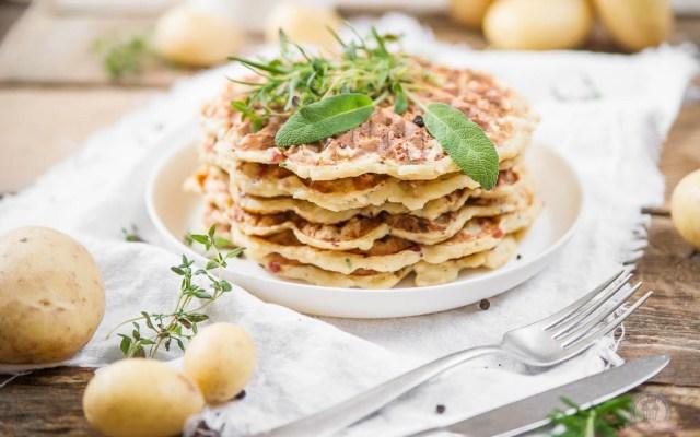 Kartoffelwaffeln – ein kartoffeliger Waffelsonntagsspaß