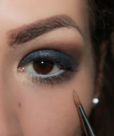 7. highlight inner corner with glittery eyeshadow; Brush Sigma Shader - inner corner E46, Eyeshadow KIKO Infinity 202