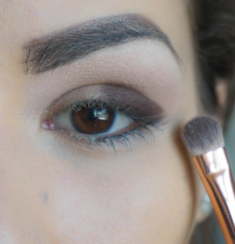 Apply matte eyeshadow in the corner of your eyelid and on top apply pearly eyeshadow; Shade- Wonder Full (base) and Rusty Petals (on top); Brush 234