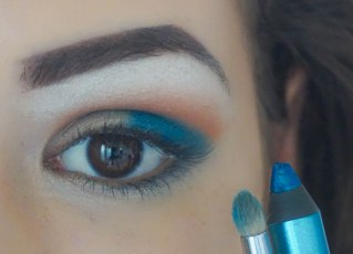 apply darker turquoise eyeshadow in the outer corner of your eyelid (it can be pencil eyeshadow or just a regular one), then blend it softly with pencil brush so there won't be any harsh lines. pay attention not to blend it too high above on the crease; Brush Sigma E30