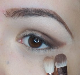 Use darker matte eyeshadow and apply it in a outer corner on your lid pushing it in a cat eye, blending it softly (lockout with Zoeva 234, 231)