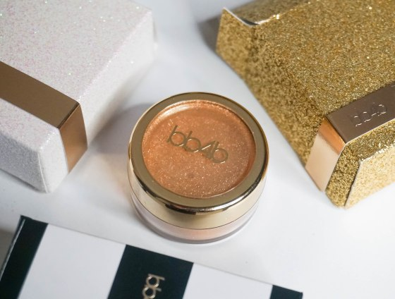 Eye Glitter Reflects- Golden Won At Oscar