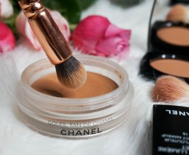 Soleil Tan de Chanel and Zoeva 110 Face Shape brush