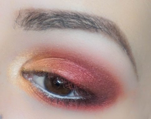 Apply matte eyeshadow with fluffy brush in outer corner of the eyelid tapping it and also right in the outer corner of lower lash line. This step will add the depth to this look and it will open your eyes even more (WHISKEY; Sigma E55 and Zoeva 230)