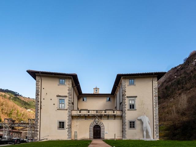 Esposizione Mr Arbitrium di Emanuele Giannelli a Palazzo Mediceo Seravezza Foto di Giovanni Bertagna