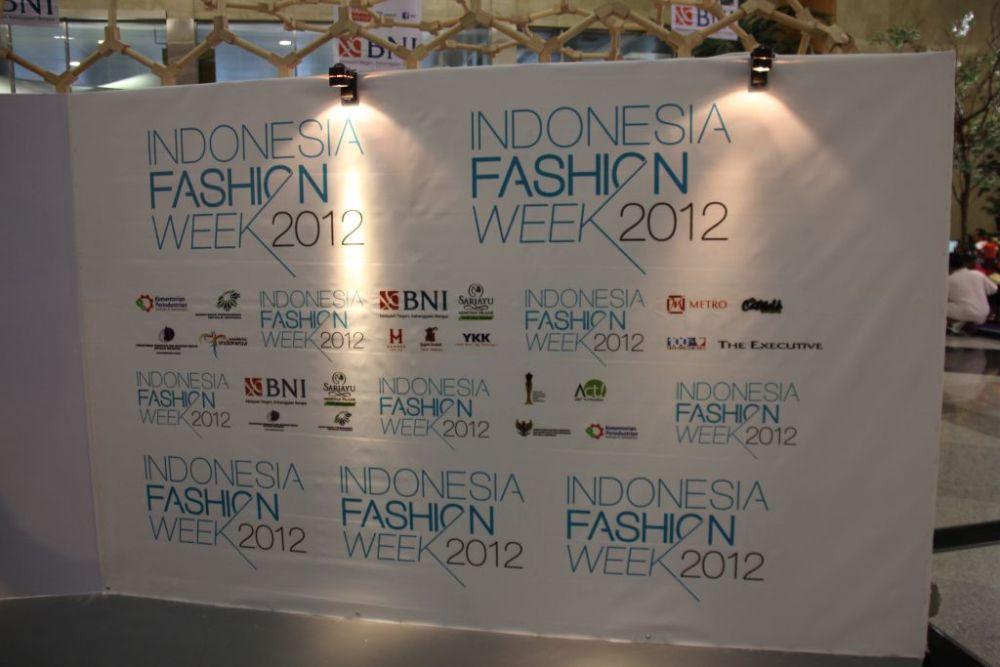 Indonesia Fashion Week, 23 - 26 Februari 2012 (2/6)