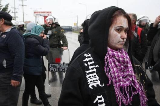 Πριν από δύο μέρες επιδόθηκαν κλήσεις απολογίας σε 9 κατοίκους της Ιερισσού, οι οποίοι κατηγορούνται για παρακώλυση συγκοινωνιών