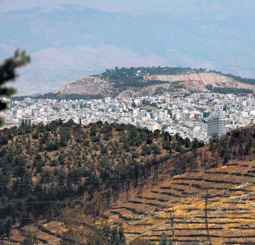 Δάση κοντά στα αστικά κέντρα, όπως εν προκειμένω ο Υμηττός, υπόκεινται σε συνεχή φθορά και υποβάθμιση (φωτογραφία από το διαδίκτυο).