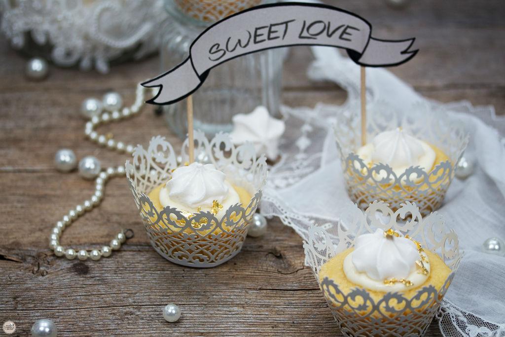 Vanille-Cupcakes mit Blattgold