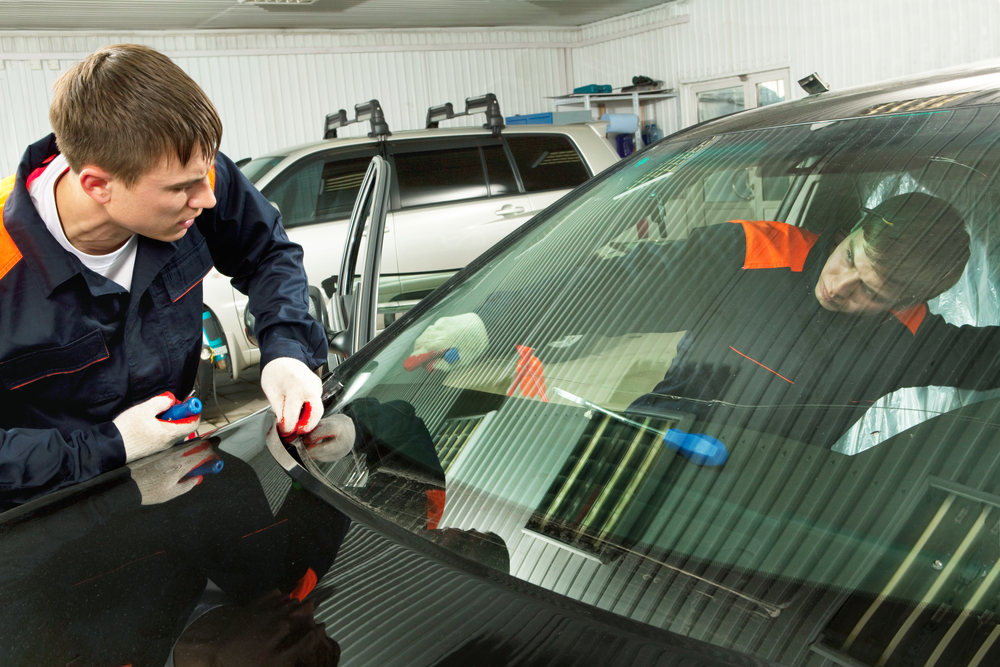 Need Windshield Repair 3 Tips For Dealing With Cracked