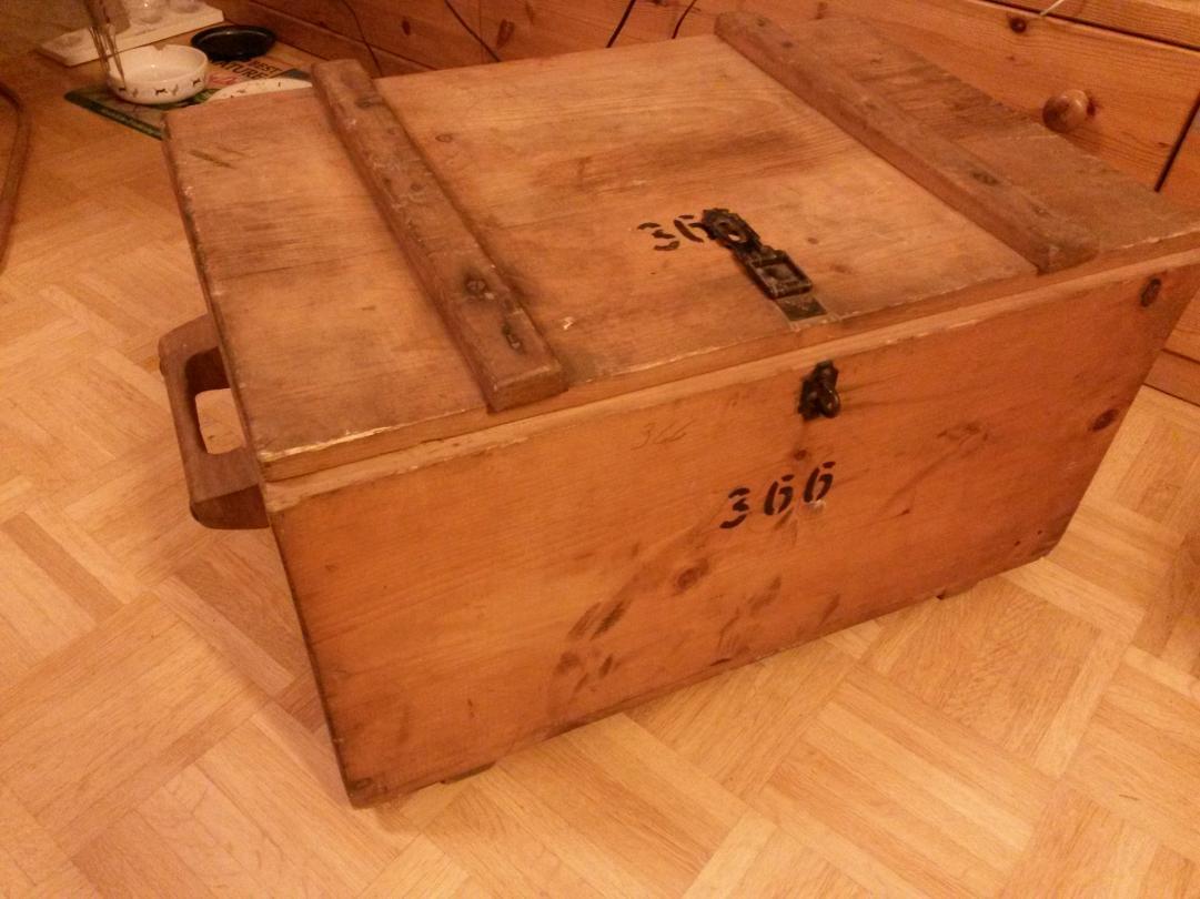 Holzkiste restaurieren