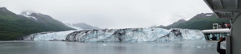Harvard Glacier and cruise ship