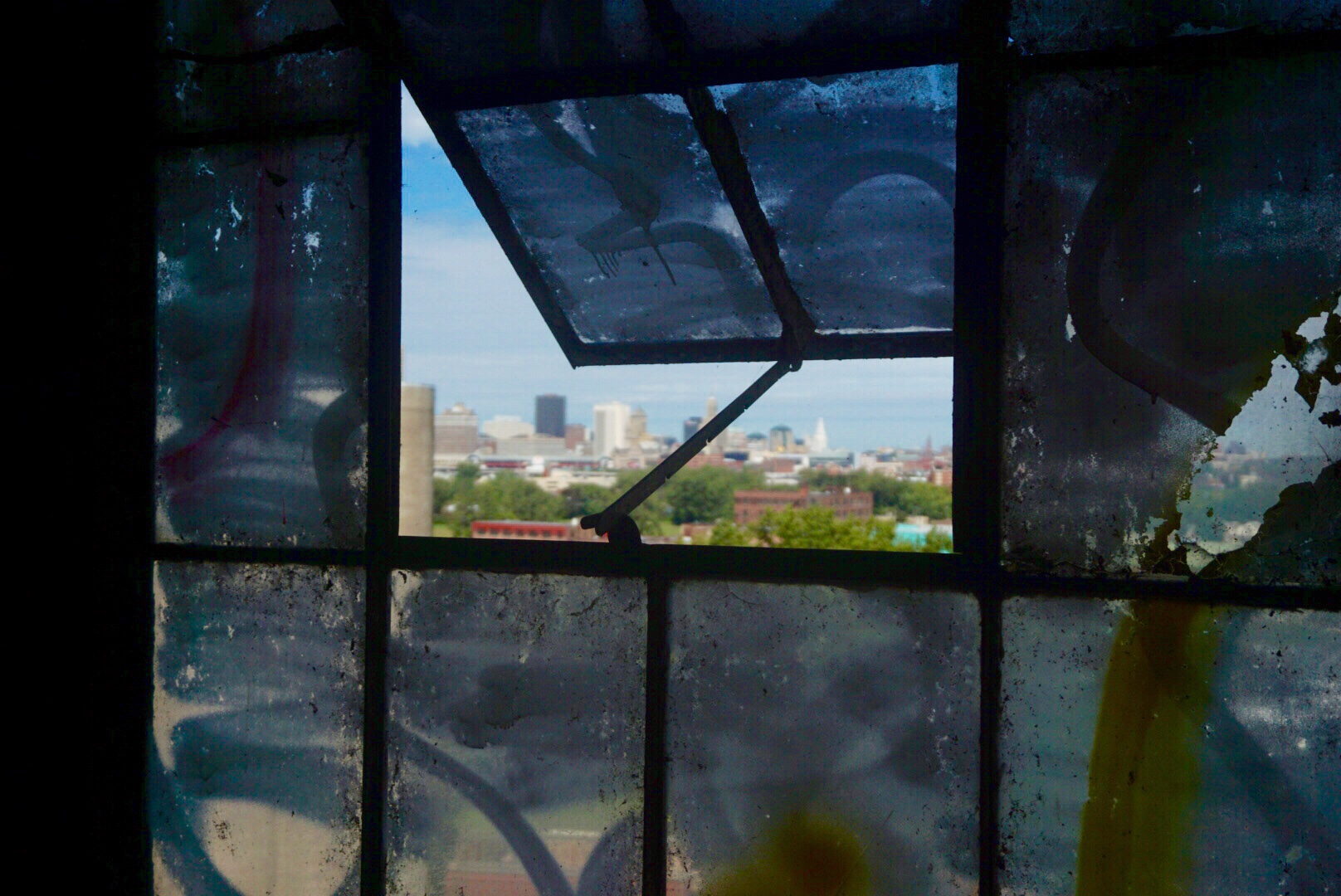 A small glimpse of Buffalo from the windows of the silos
