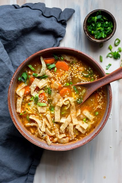 Healthy & Spicy Egg Roll Soup