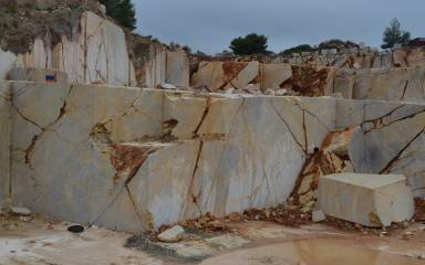 Quarry_Gallery_Yellow_013