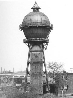 Wasserturm -einzel Pickelhaube