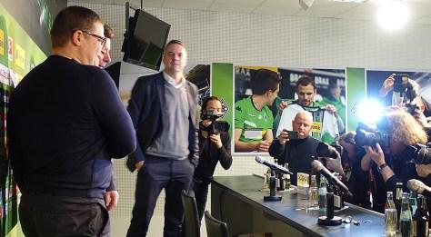 Borussia Mönchengladbach stellt Dieter Hecking auf einer Pressekonferenz als neuen Trainer der Fohlen vor. Foto: David Nienhaus