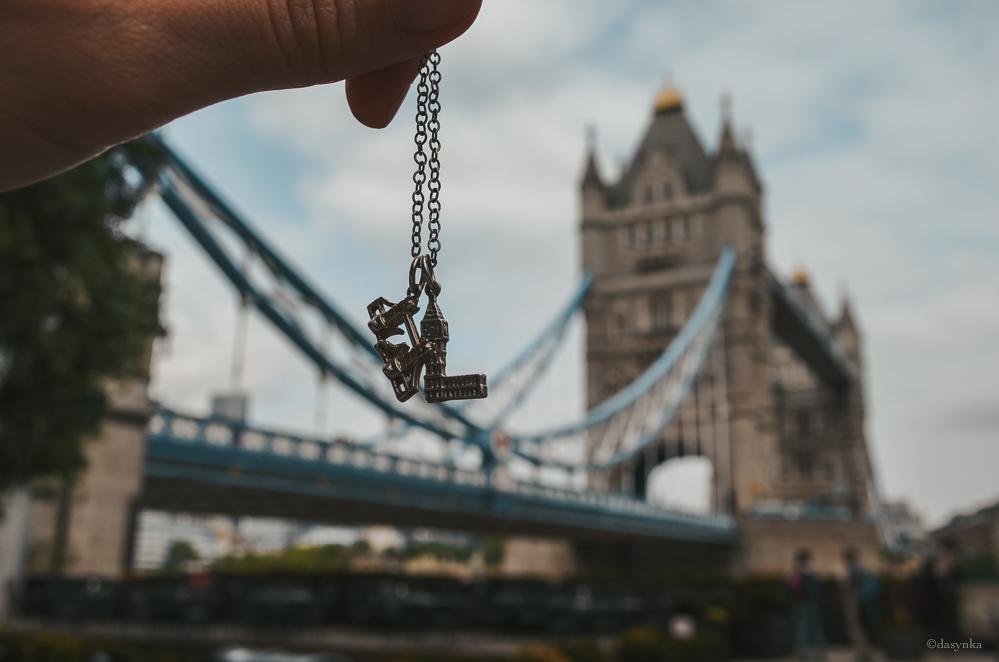 dasynka-fashion-blogger-london-life-street-style-big-ben-pinterest-tower-bridge-charms-necklace