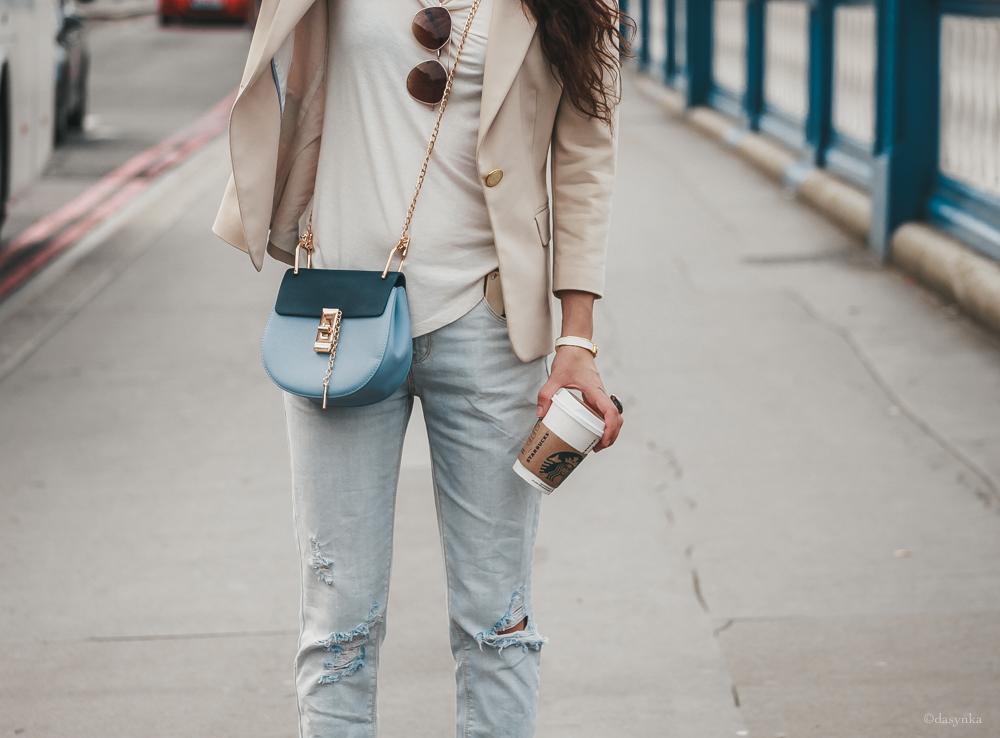 dasynka-fashion-blogger-london-life-street-style-big-ben-pinterest-tower-bridge-chloe-bag-blue-jacket-beige-white-tshirt-jeans-ripped-heels-hermes-bracelet-starbucks