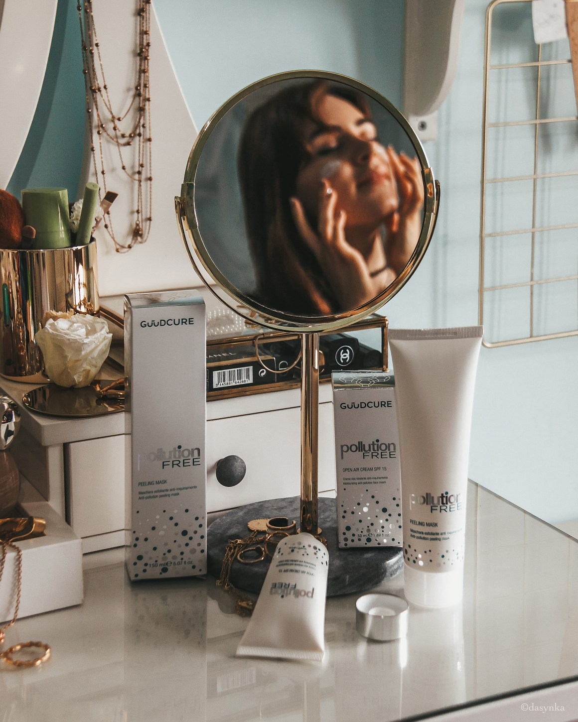 dasynka-fashion-blog-blogger-influencer-inspiration-shooting-model-girl-instagram-italy-lifestyle-skincare-guudcure-pollution-anti-aging-cream-day-spf-15-scrub-peeling-natural-mirror-natural-no-silicones-glycolic-acid-skin-routine-perfect