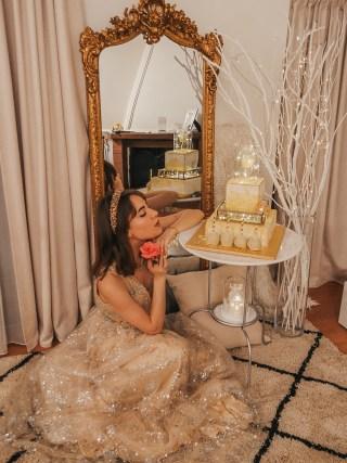 dasynka-fashion-blog-blogger-influencer-inspiration-ootd-inspo-outfit-shooting-model-globettrotter-travel-lookbook-instagram-street-style-italy-lifestyle-outfit-poses-anastasia-princess-disney-lightroom-preset-ideas-gold-dress-birthday-cake-golden-mirror-gothic