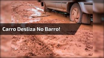 Carro Deslize Mais De 8 Vezes Em Rua De Terra, Até Que Mulher E Filho Empurra!